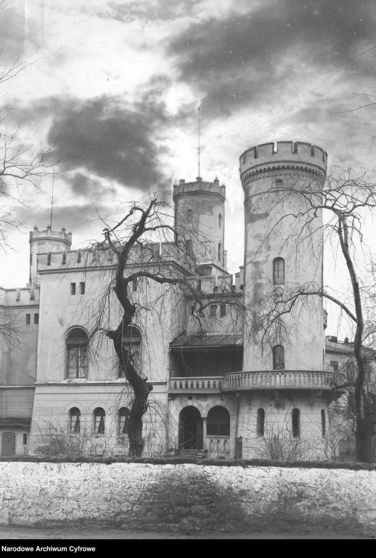 Zamek_Swierklaniec